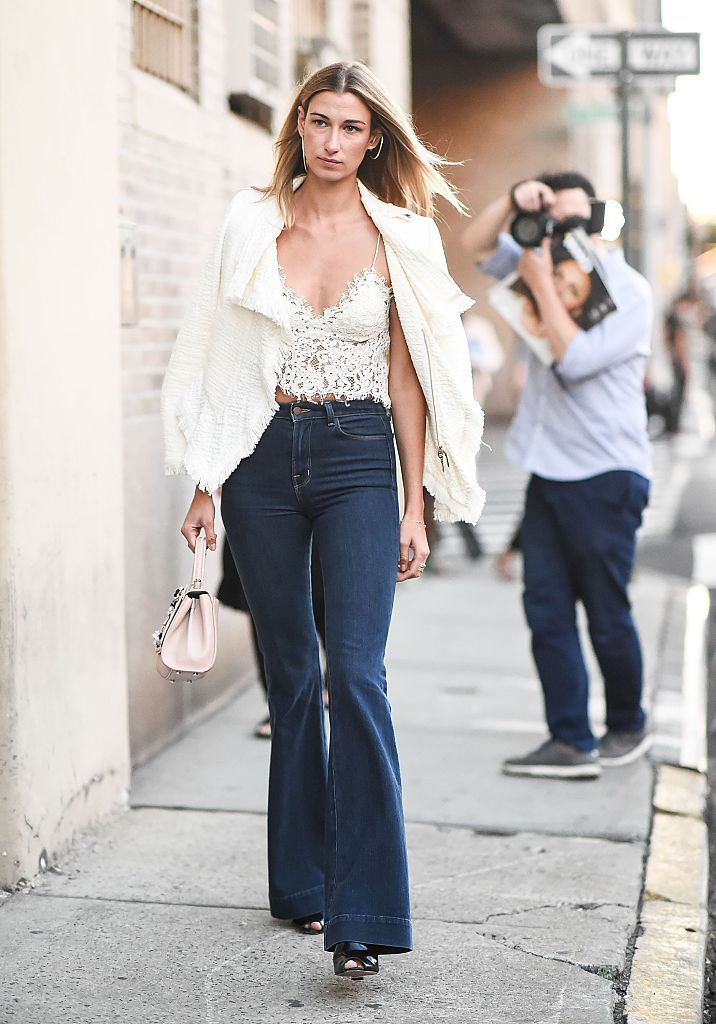 How To Wear Flare Jeans: 10 Fashionable Outfit Ideas