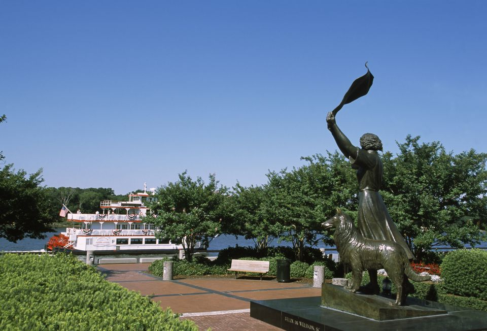 Statue in a park with a boat in the background, Waving Girl Statue, Savannah River, Savannah, Chatha