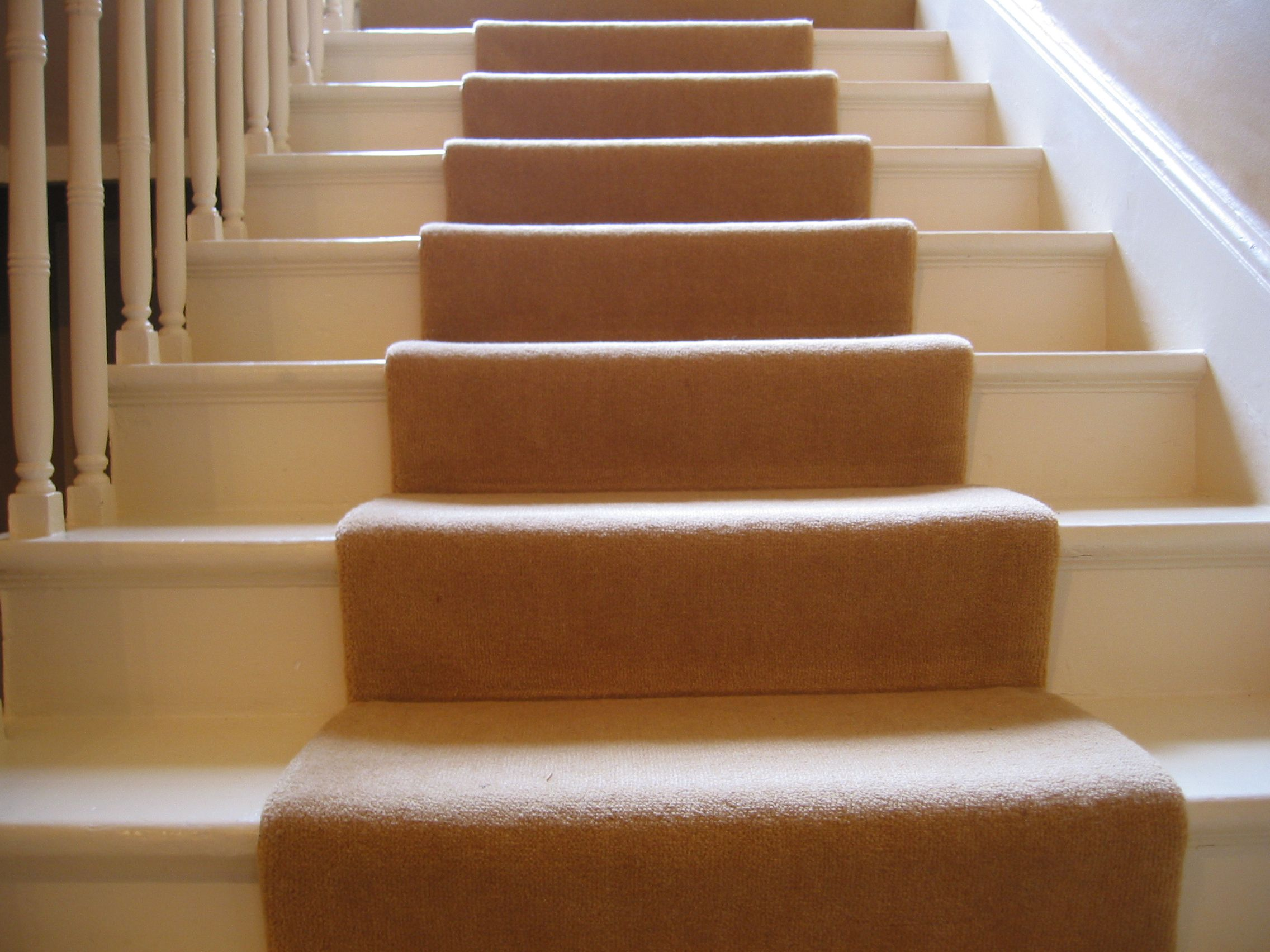 Size Pattern Style Choosing A Carpet Runner For Stairs