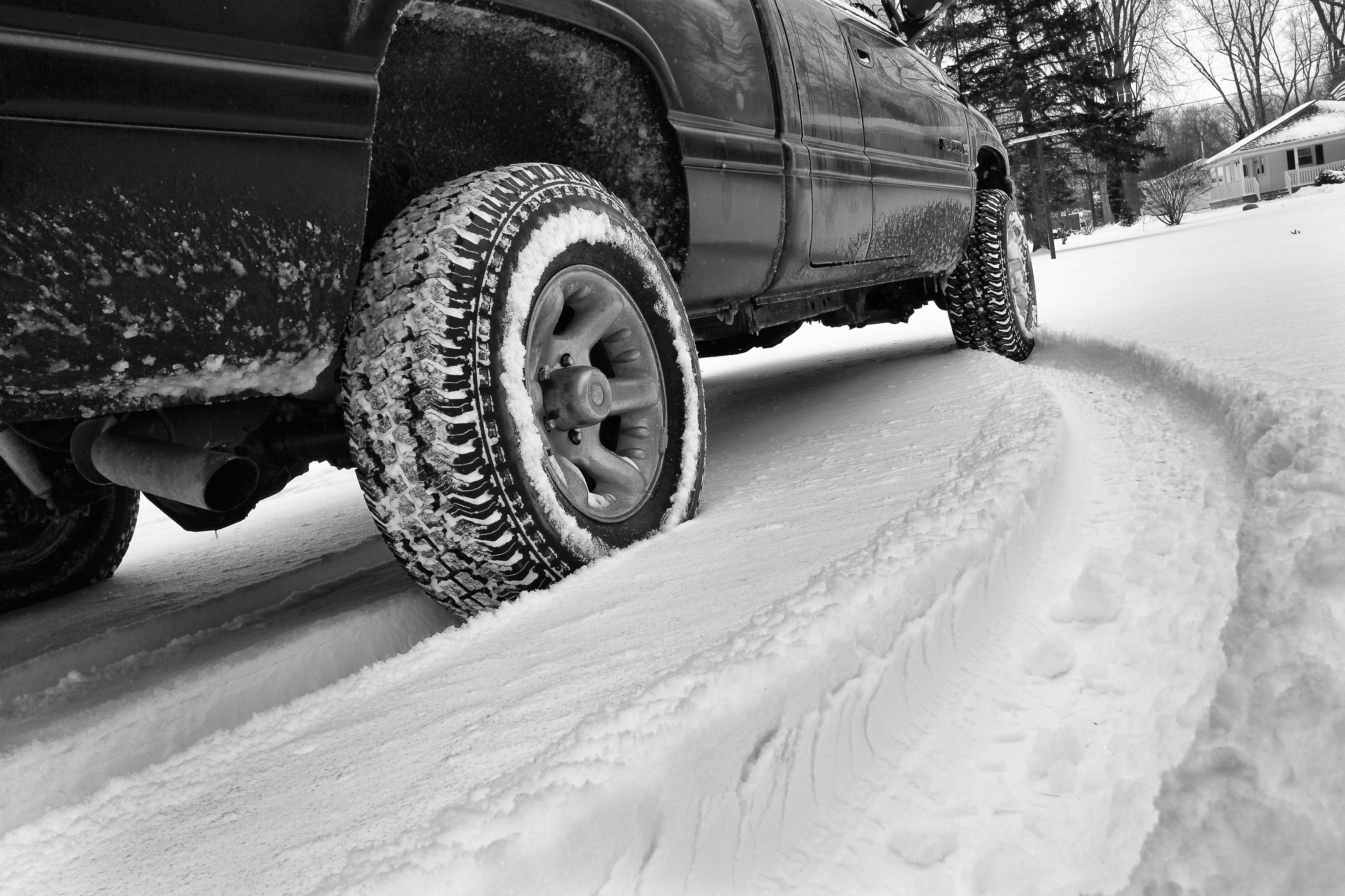 answers to 5 questions about snow tires. Black Bedroom Furniture Sets. Home Design Ideas