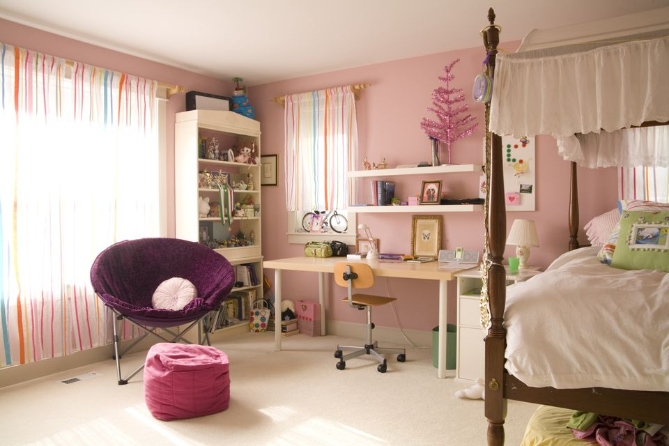 Pink girl s bedroom  Ideas for Decorating Children Bedrooms