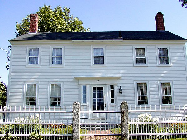 1690s - 1830: Georgian Colonial House Style