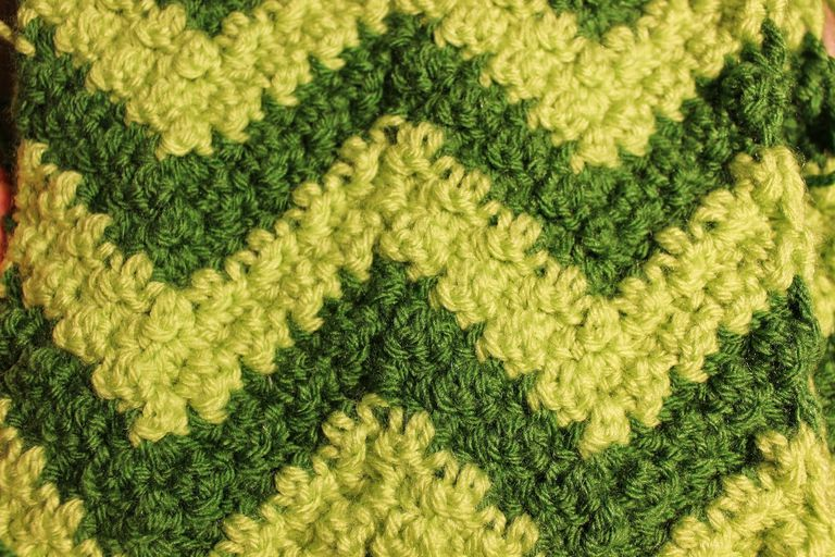green-ripple-crochet-scarf.jpg