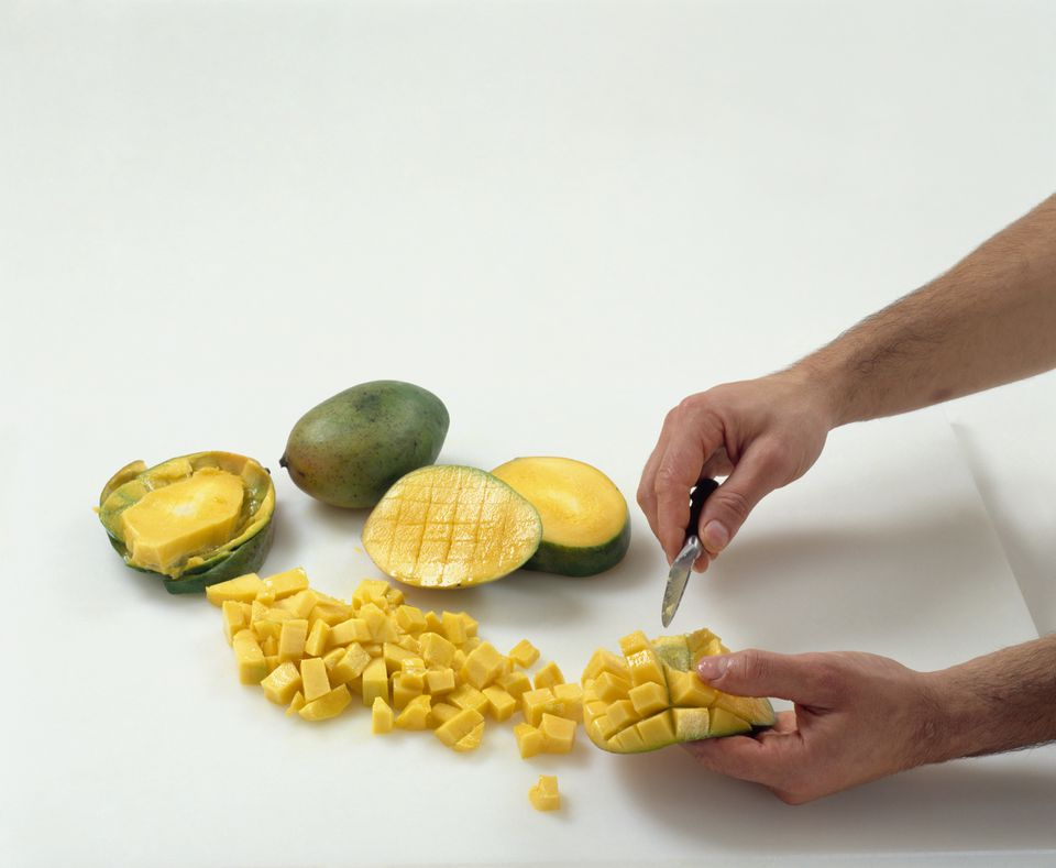 Mango cutting and cubing instructions preparing mangoes cutting out cubes with a knife ccuart Choice Image
