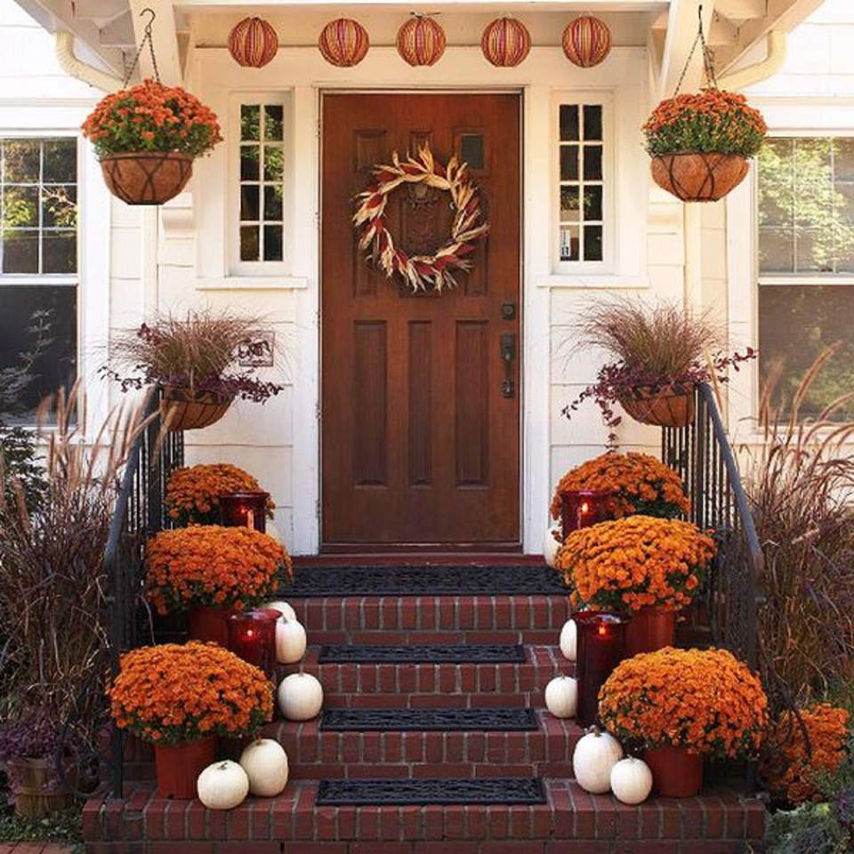 Decorate the front porch for Thanksgiving