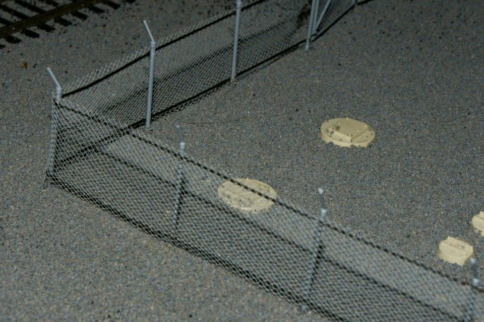 Modeling Chain Link Fencing