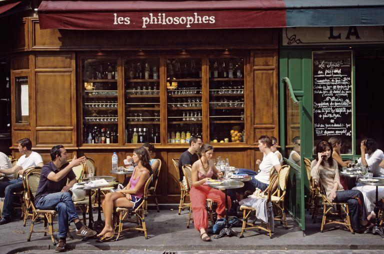 France, Paris, Marais District, cafe terrace on Rue Vieille du Temple