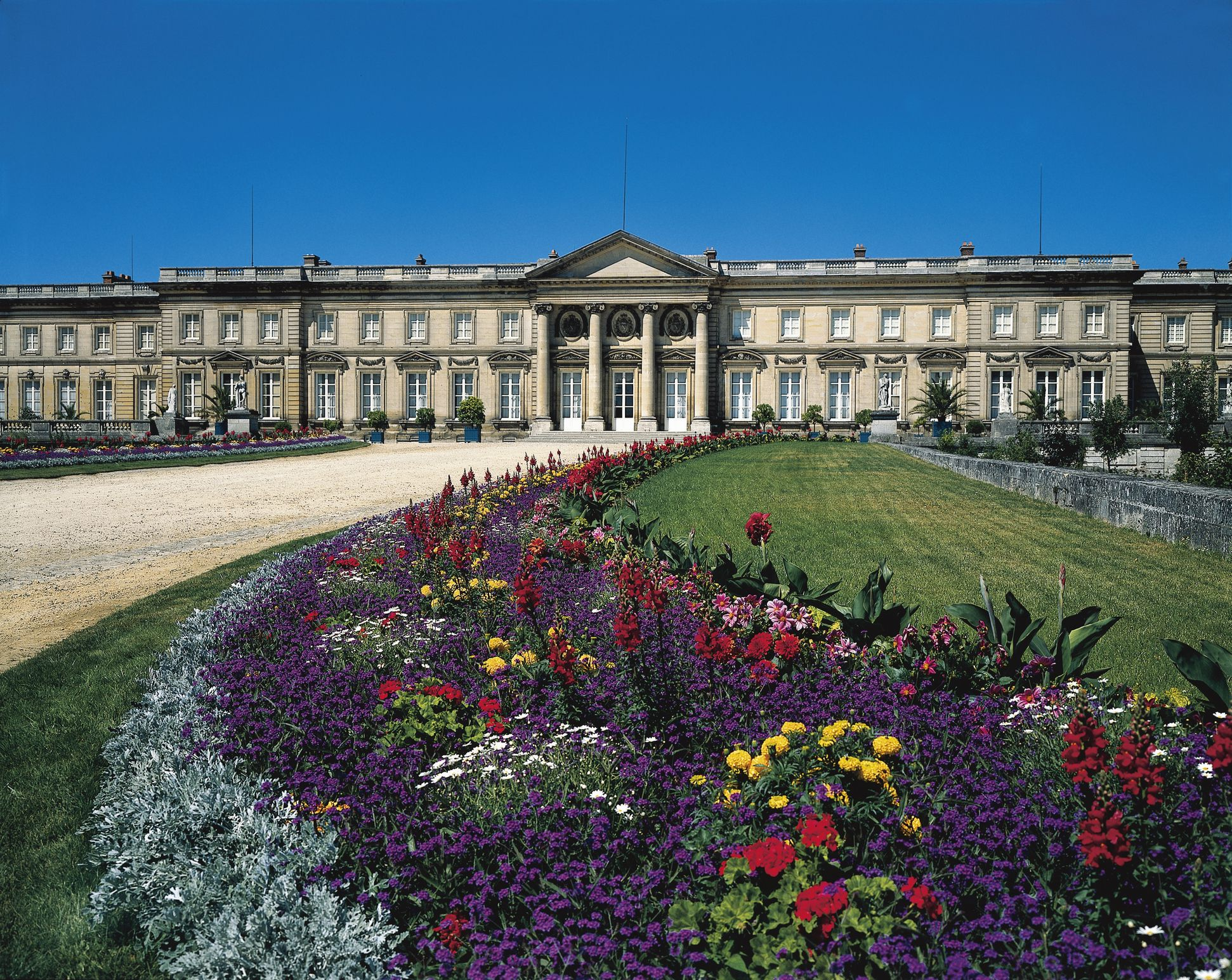 Top Attractions in North France and Great Hotels