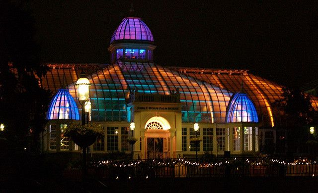 Franklin Park Conservatory Christmas Lights.Holiday Events In Columbus Ohio In December