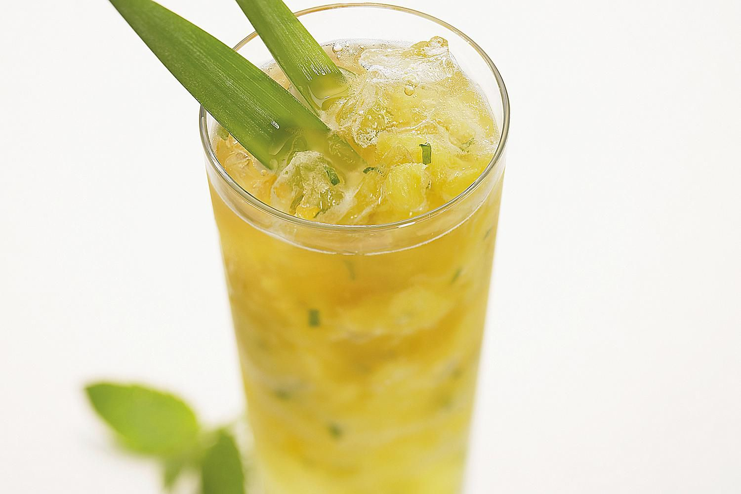 easy pineapple mojito recipe with brugal rum. Black Bedroom Furniture Sets. Home Design Ideas