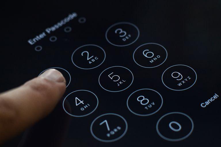 Enter passcode screen of iOS 8