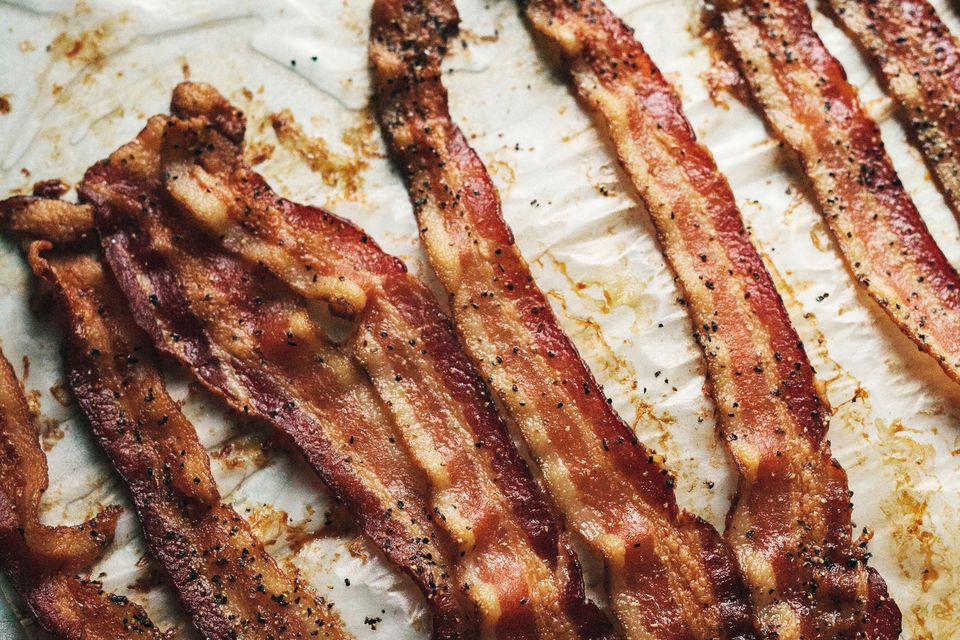 How to Make Crispy Bacon in the Oven in 10-15 Minutes