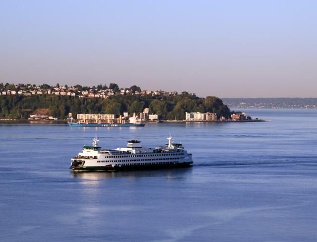 Picture of Washington State Ferry from Downtown Seattle
