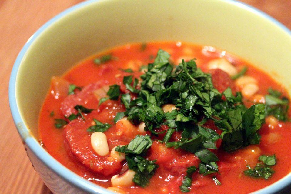 Black-Eyed Peas with Tomato Sauce