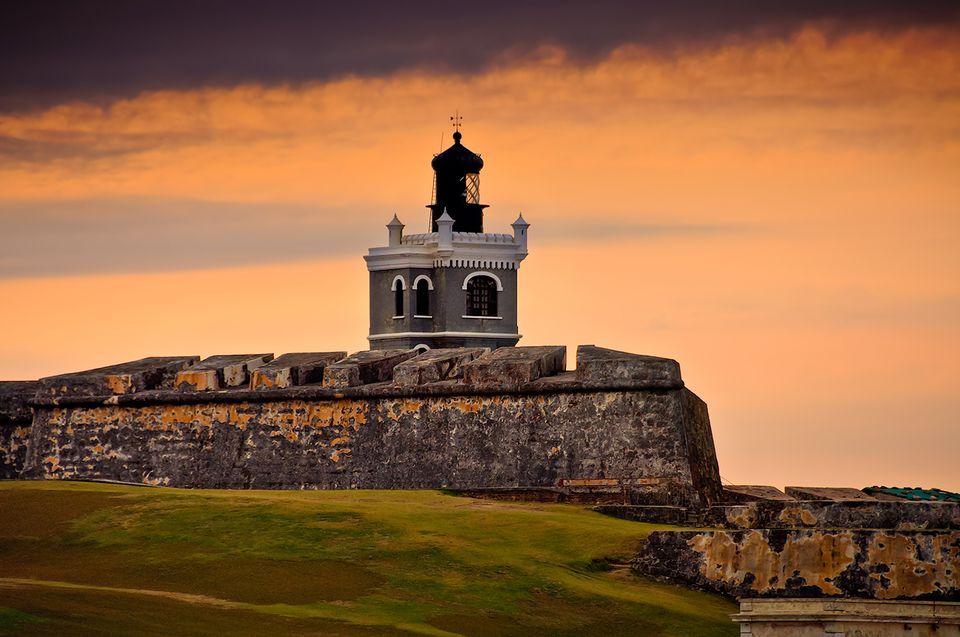 settings El Morro Fort at Sunset, Puerto Rico