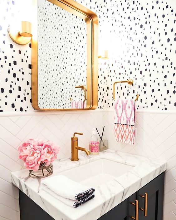 20 beautiful wallpapered bathrooms for Bathroom wallpaper wall coverings