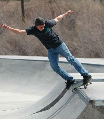Trick riding at Rattlesnake Mountain Skatepark in Reno, Nevada