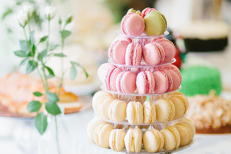 How To Make Macaron Birthday Cake