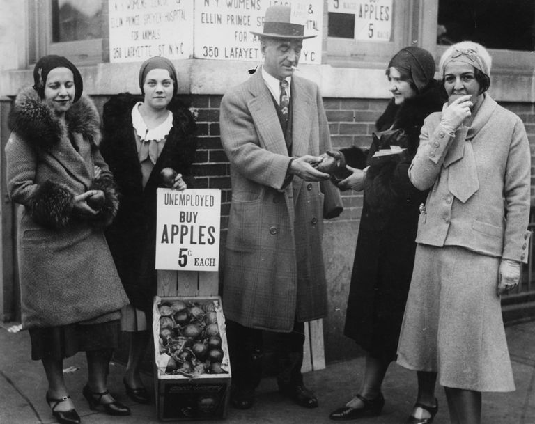 apples being sold to unemployed people during the Great Depression