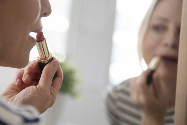 25 Makeup Tips To Look Beautiful Over 50-4128