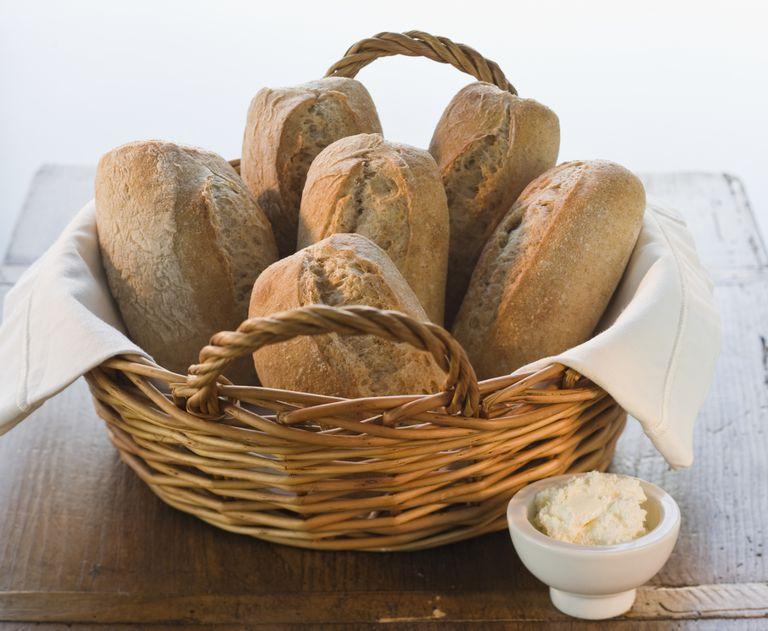 gluten-free dinner rolls with butter
