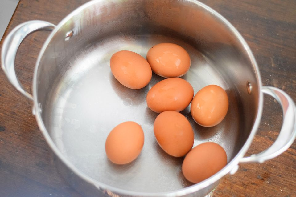 How to make perfect hard boiled eggs how to hard boil an egg ccuart Gallery