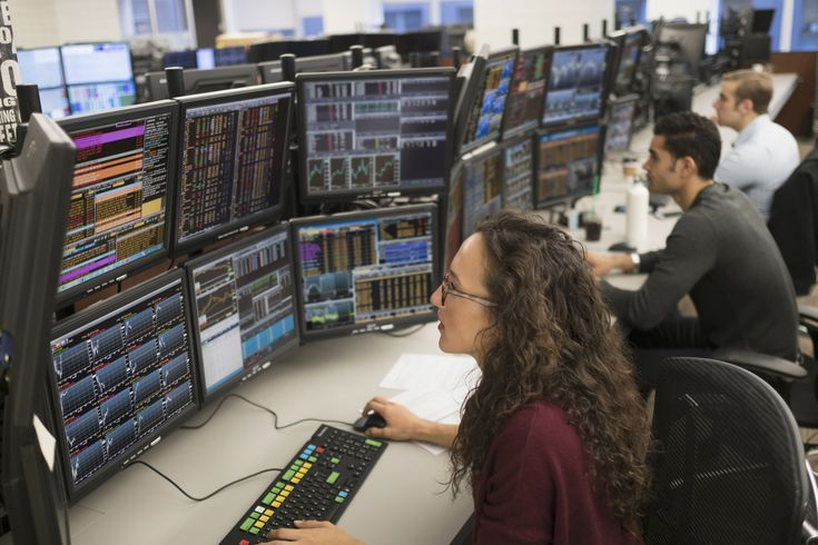 What A Stockbroker Does And How To Become One