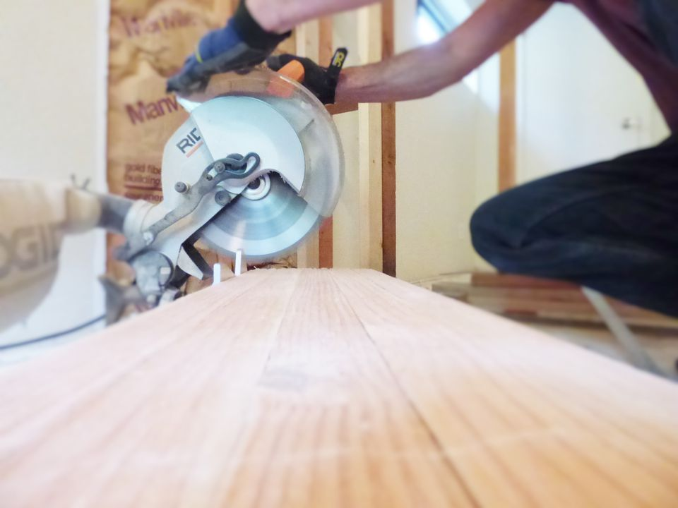 Cut Glulam Beam With Miter Saw
