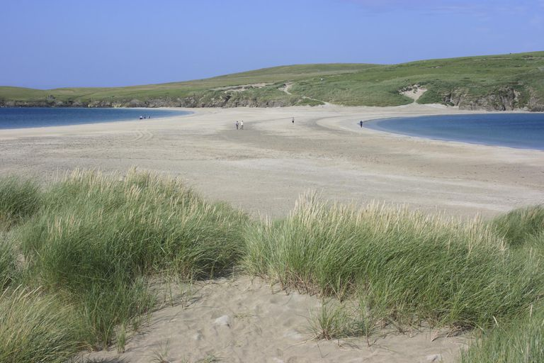 The St Ninian's Isle Tombolo linking the Isle and the South Mainland on Shetland is the largest sand tombolo in the UK, Scotland UK