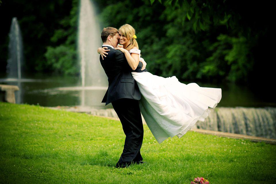 Best Bride and Groom Happy Wedding Dress