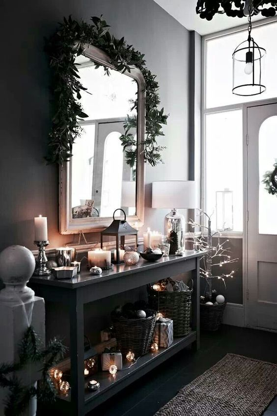 7 Quick Decorating Tips For Festive Christmas Entryways