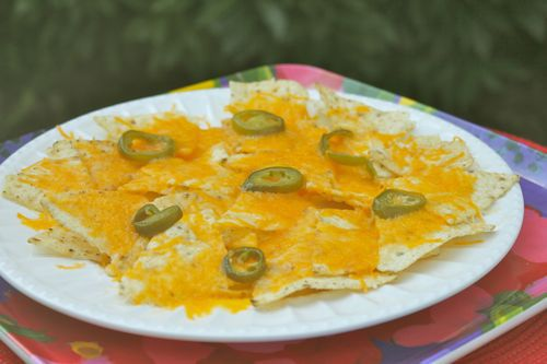 how to make simple nachos in microwave