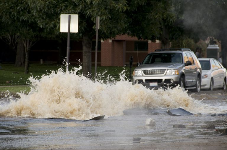 Exploding Water Main Causes Flooding