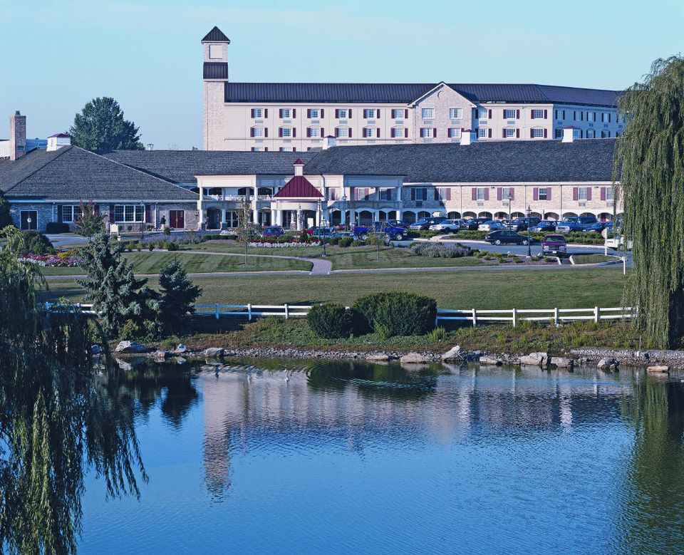Hershey Lodge exterior - Photo courtesy of Hershey Entertainment and Resorts.