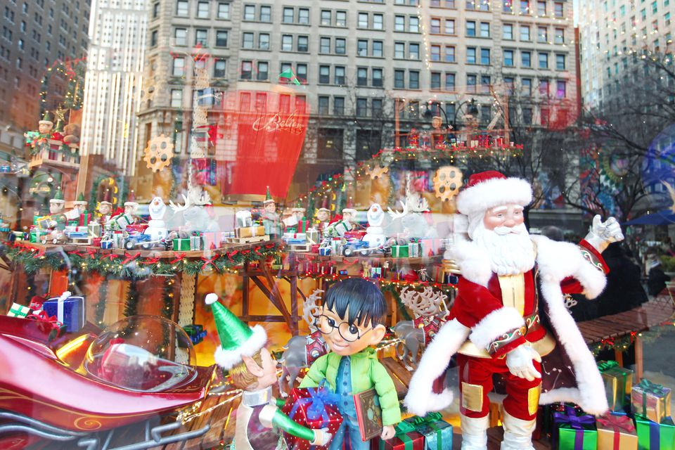 How to visit santa at macy 39 s in new york city for Christmas trips to new york