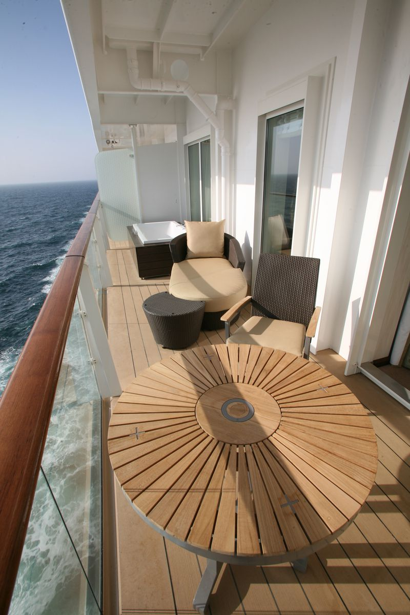 Celebrity Eclipse cabins and suites | CruiseMapper