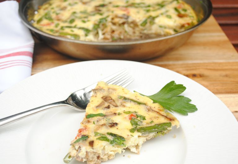 Anti-Inflammatory Quinoa and Asparagus-Mushroom Frittata