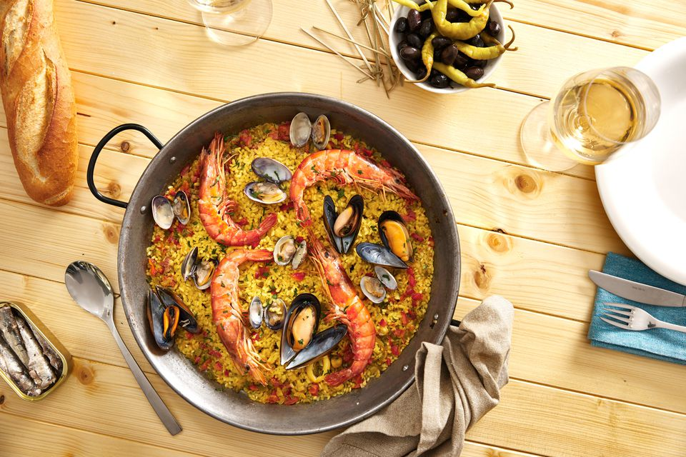 Seafood with wine