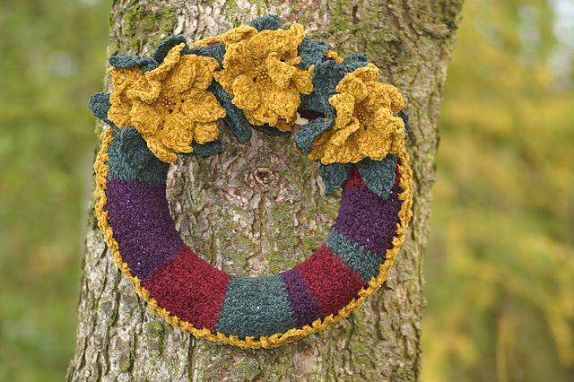 3 Flower Crochet Wreath FREE Pattern