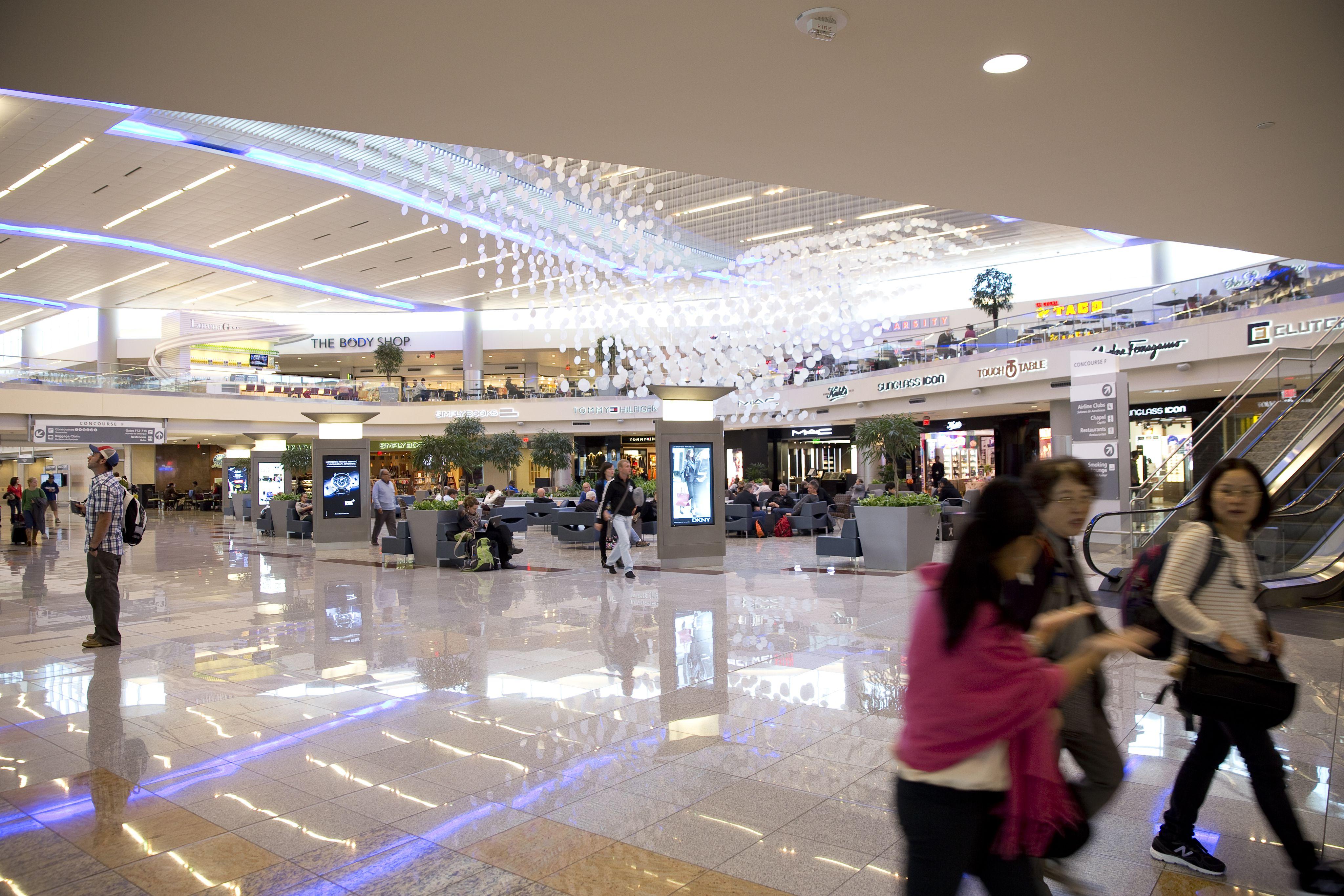 the top 16 restaurants at the atlanta airport