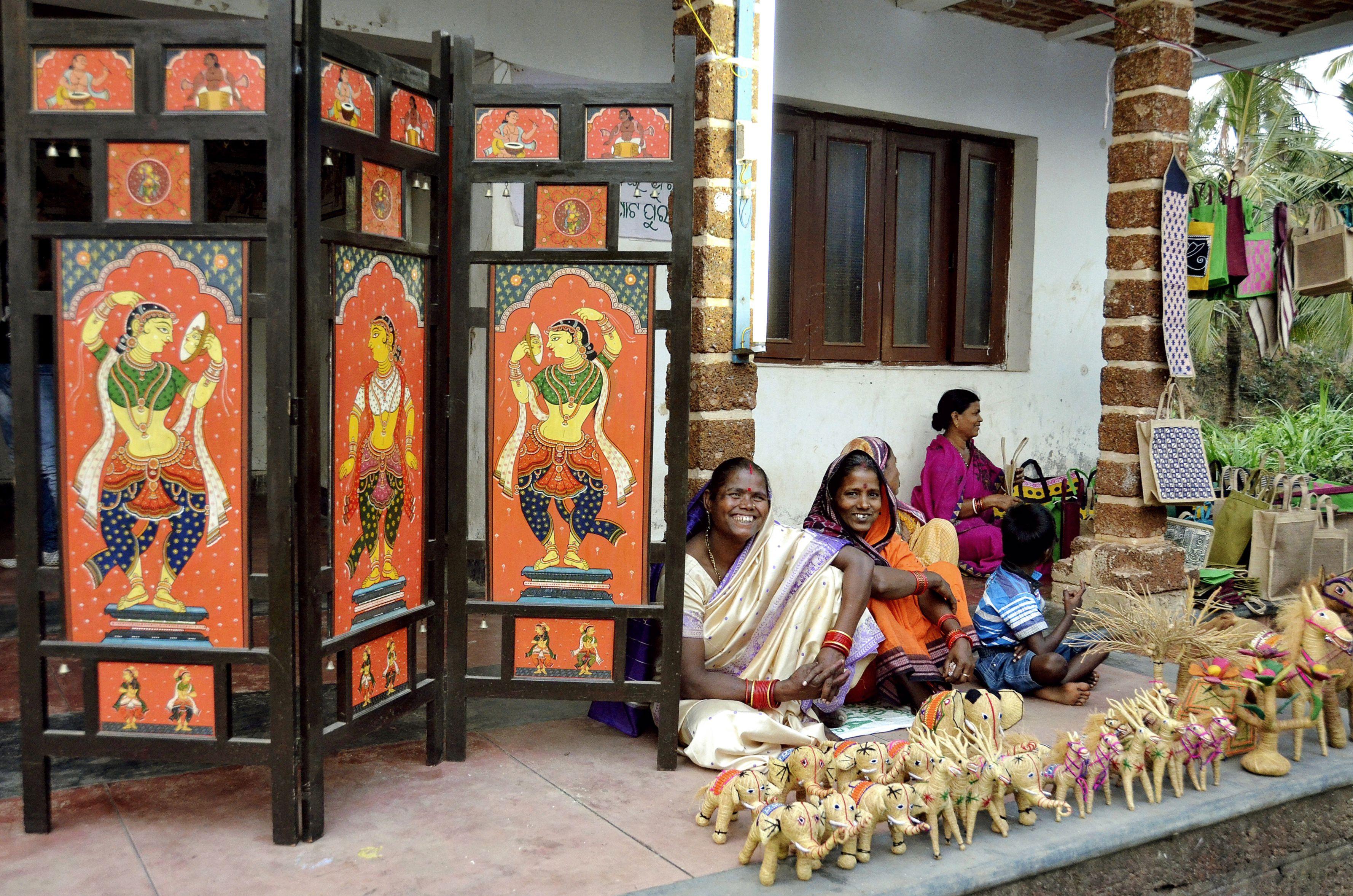 2 Popular Odisha Handicraft Villages Raghurajpur And Pipli
