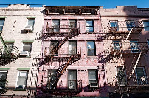 frente de apartamentos en Manhattan
