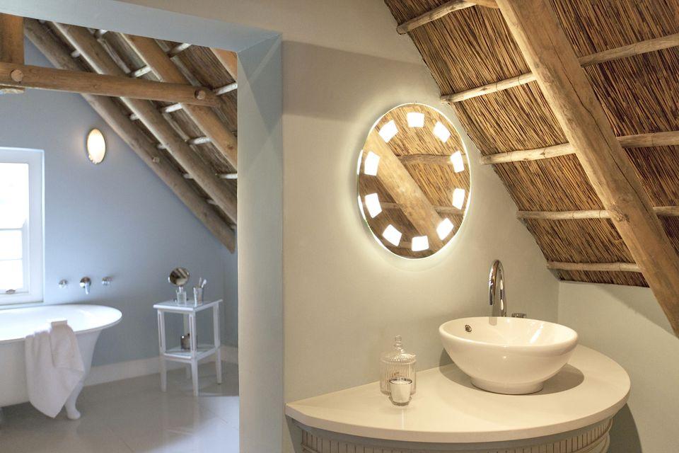 Bathroom interiors ideas