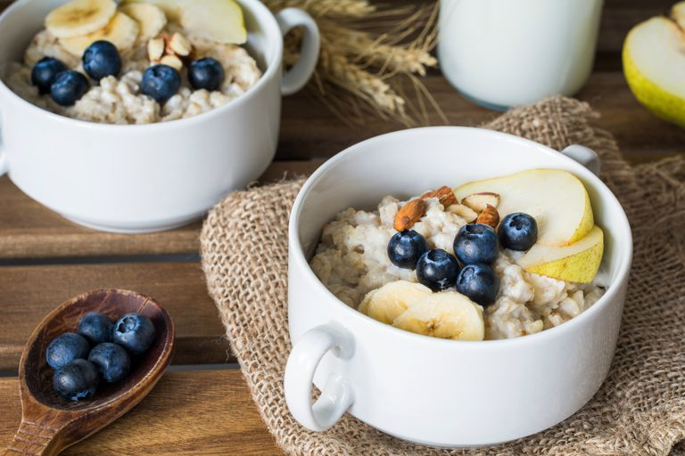 Oatmeal with blueberries and pear