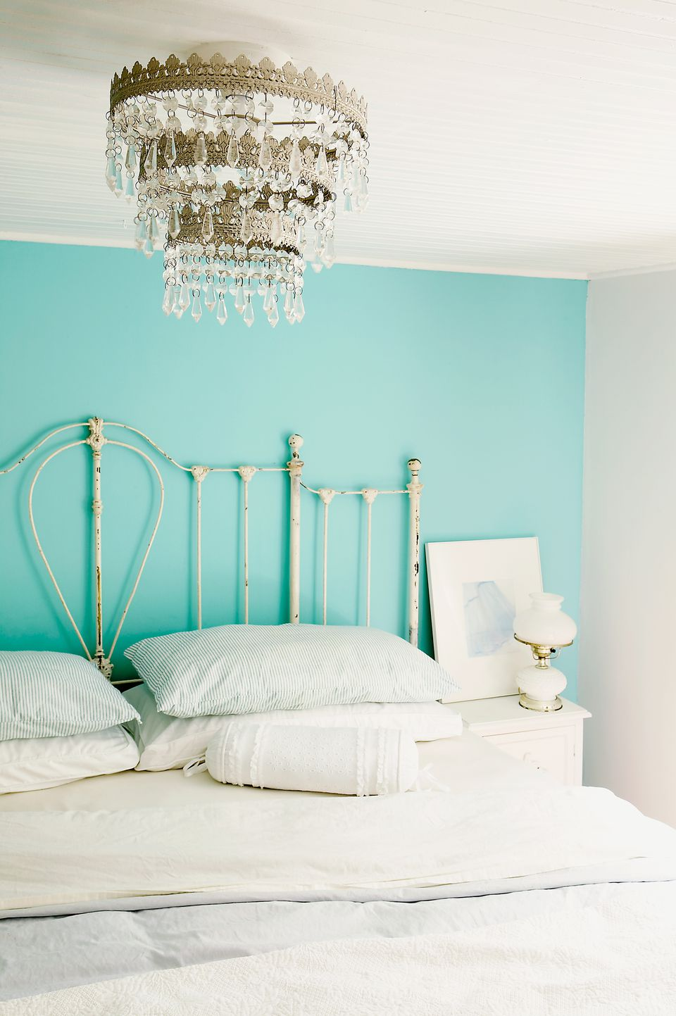 Top 10 aqua paint colors for your home for Benjamin moore light green