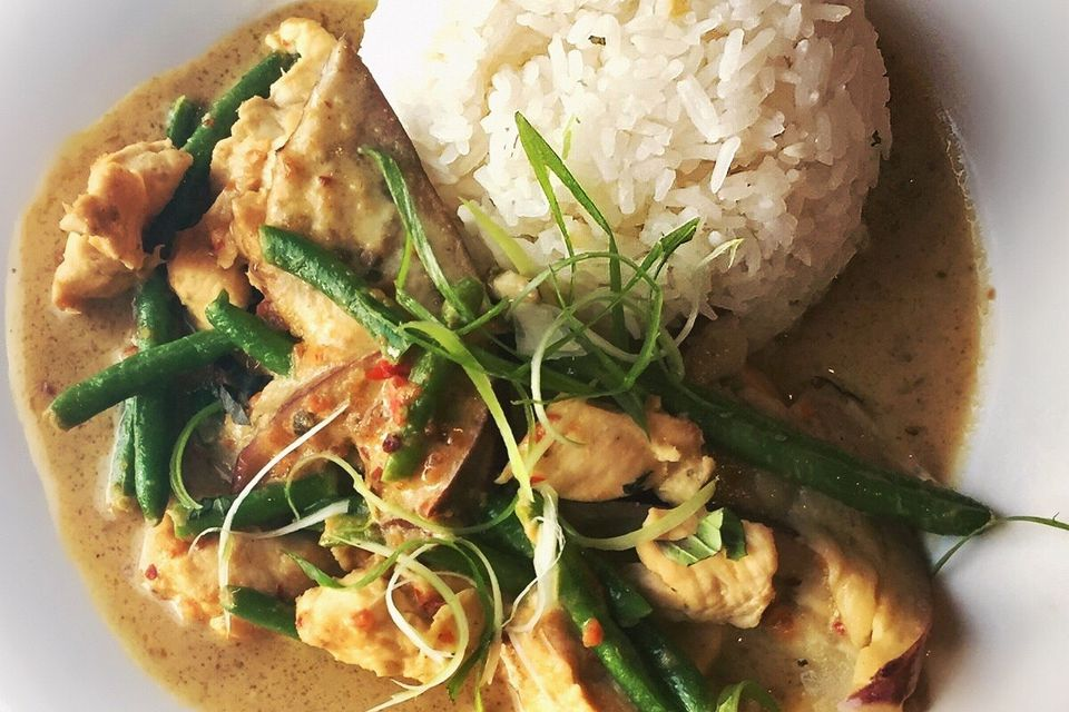 Thai coconut curry chicken