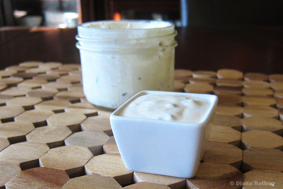 Creamy Sour Cream Salad Dressing