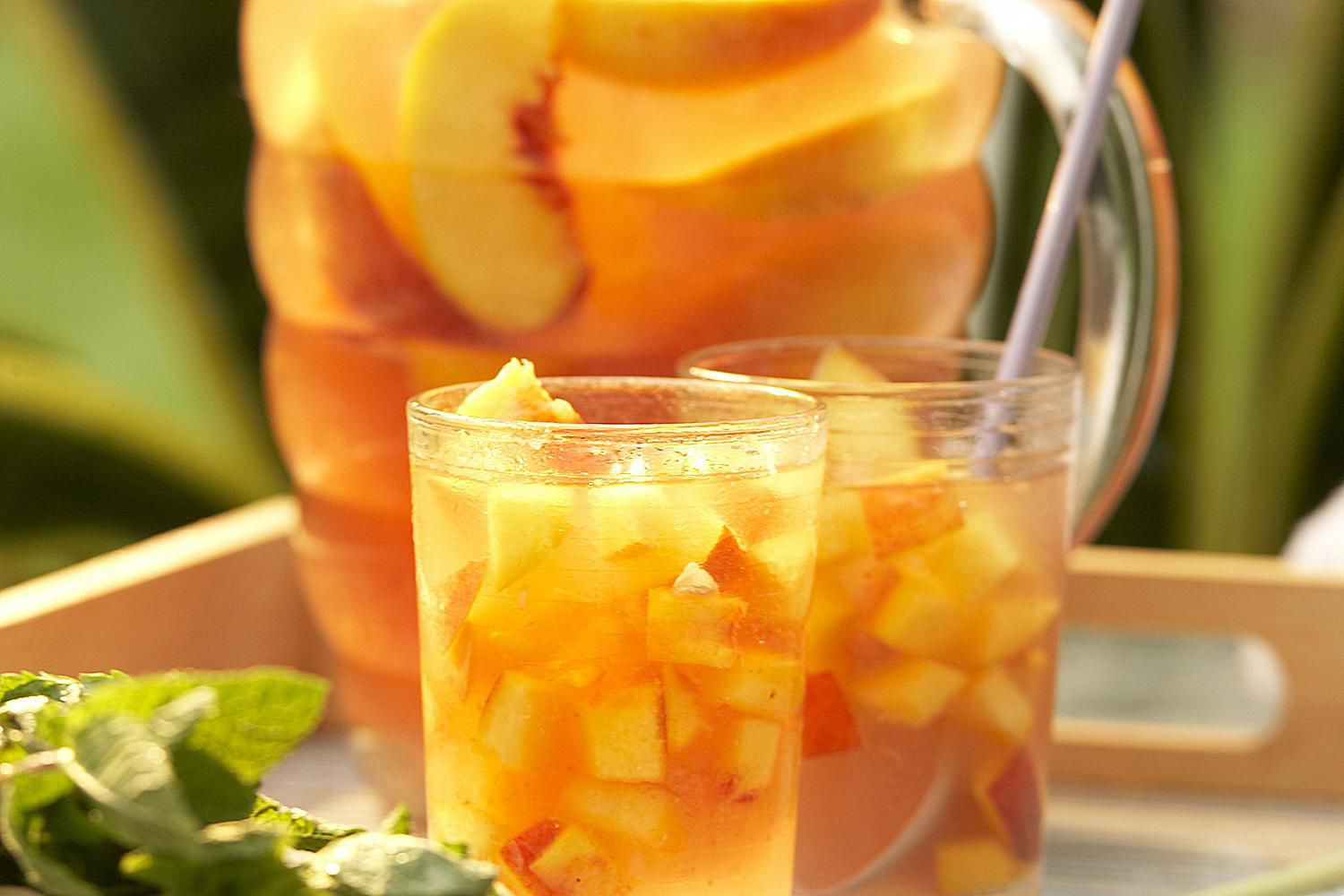 White Peach Sangria Rum Punch Recipe