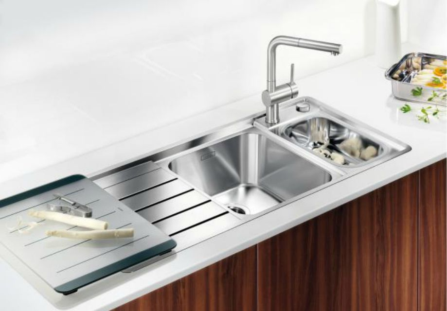 Kitchen Sink With Dual Drainboard