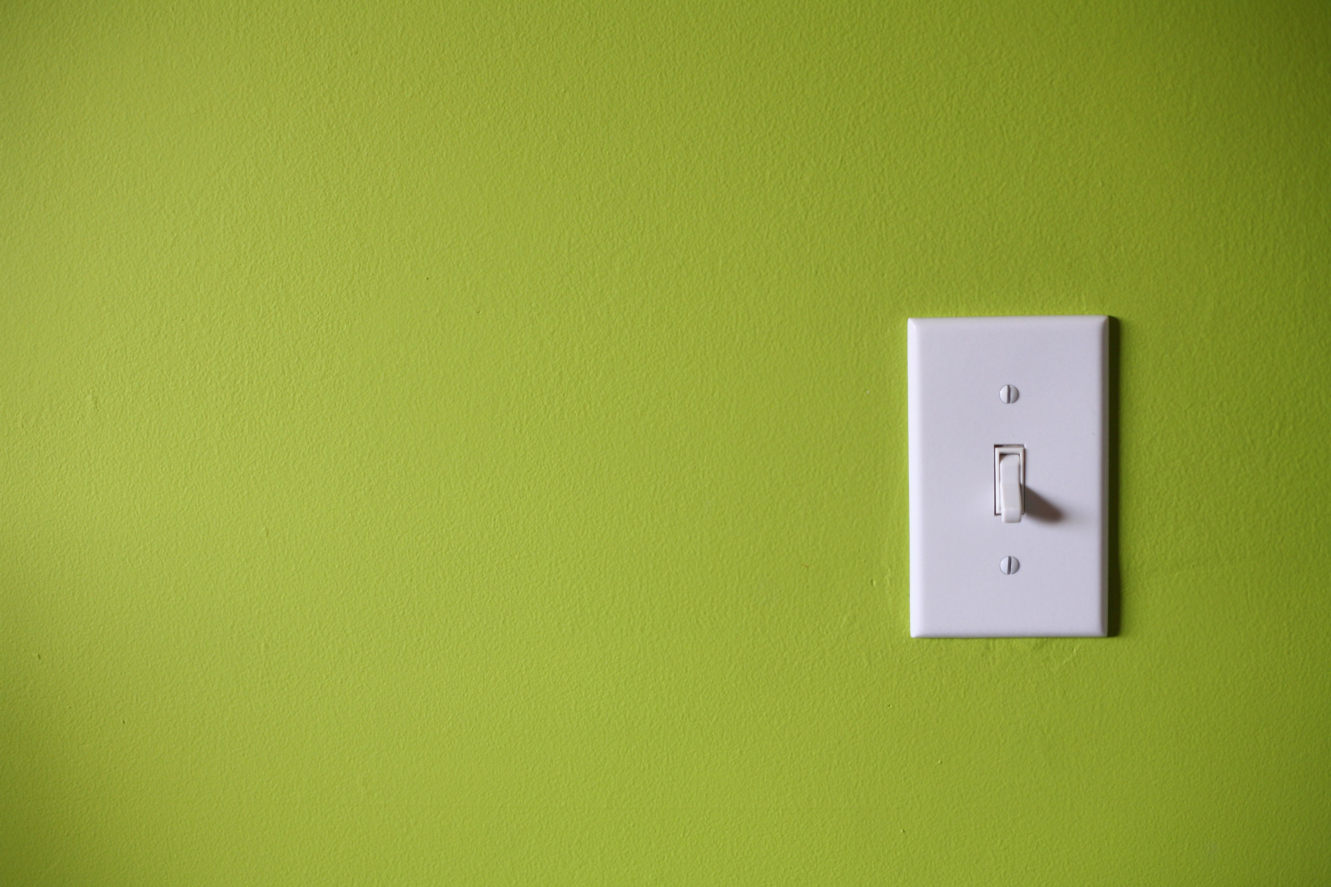 symptoms of a defective wall switch. Black Bedroom Furniture Sets. Home Design Ideas
